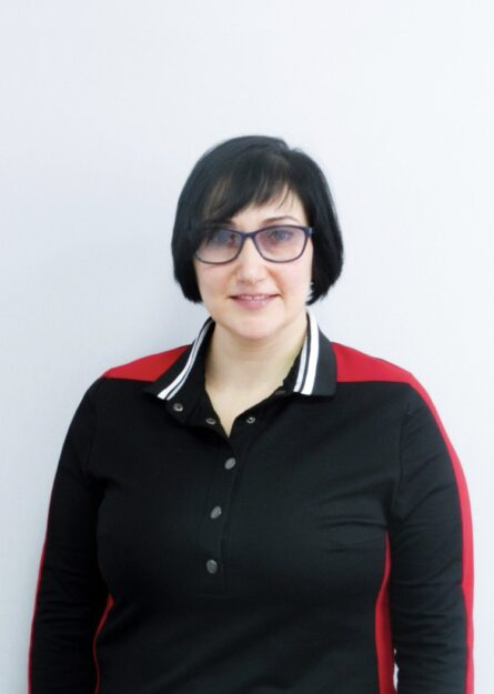 Lyudmila YUr